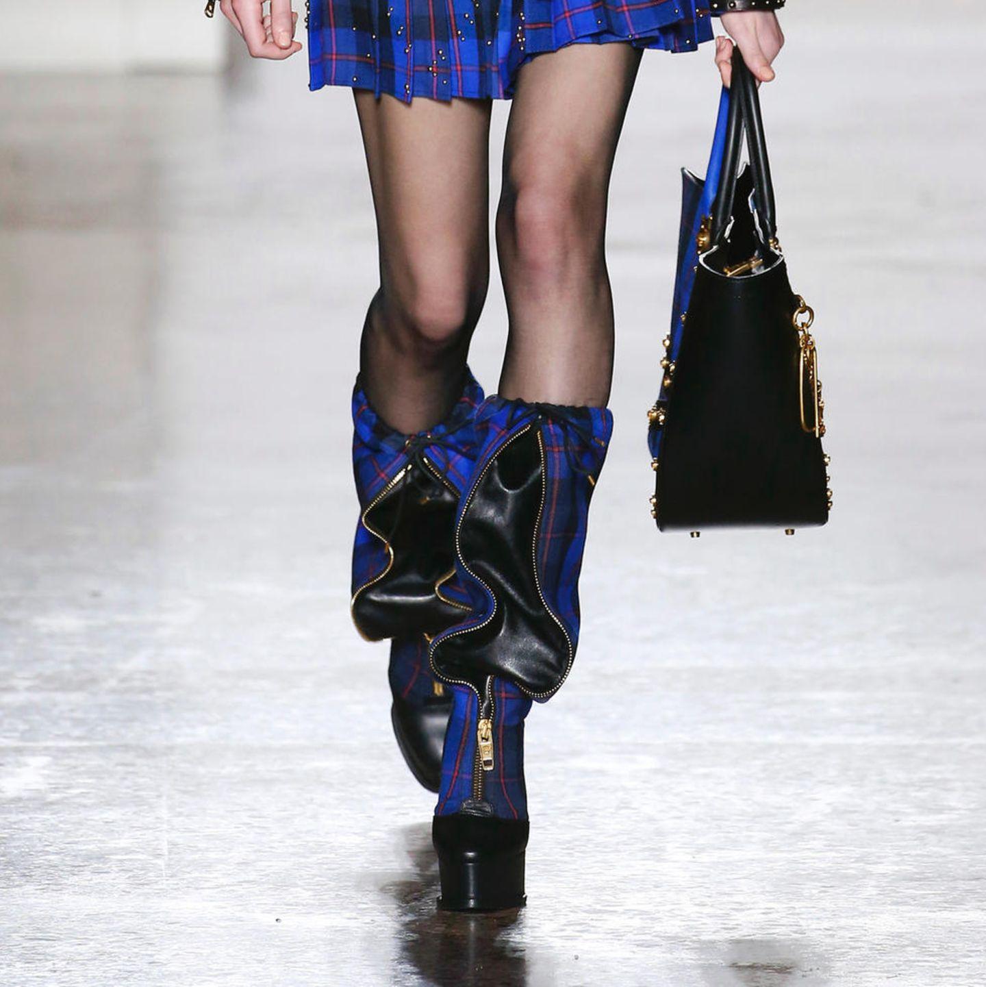 Mailänder Modewoche: Plateau-Stiefel bei Versace