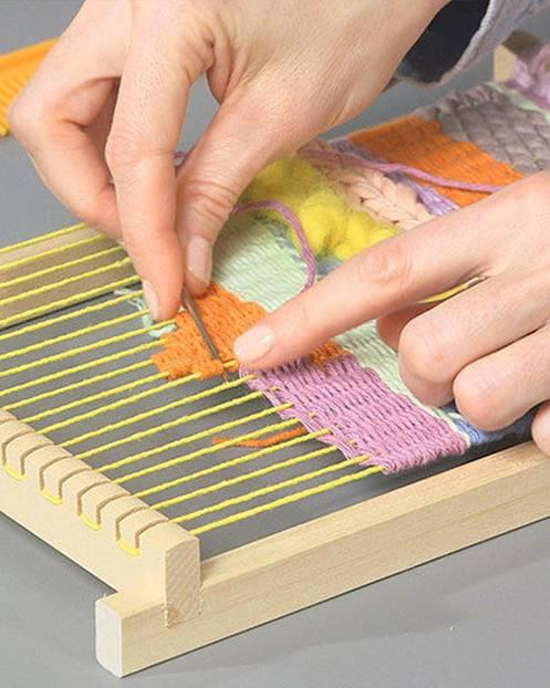schuhe mit faeden selber dekorieren, webteppich selber machen | brigitte.de, Design ideen