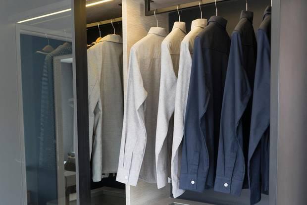 Minimalismus: Aufgeräumter Kleiderschrank