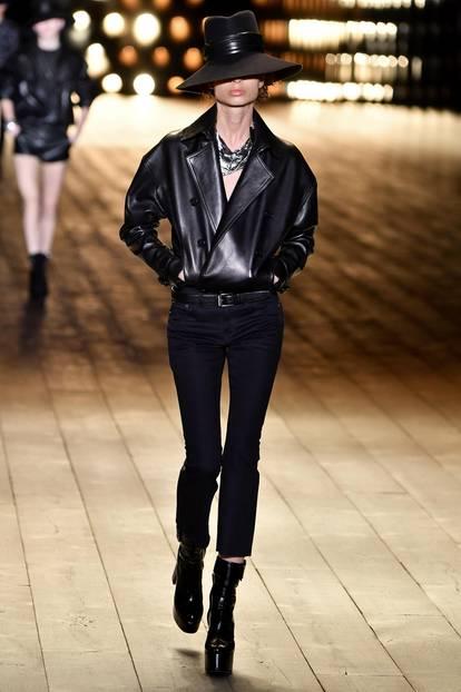 Modetreends Herbst/Winter 2018/19: Model auf dem Laufsteg bei Christian Dior