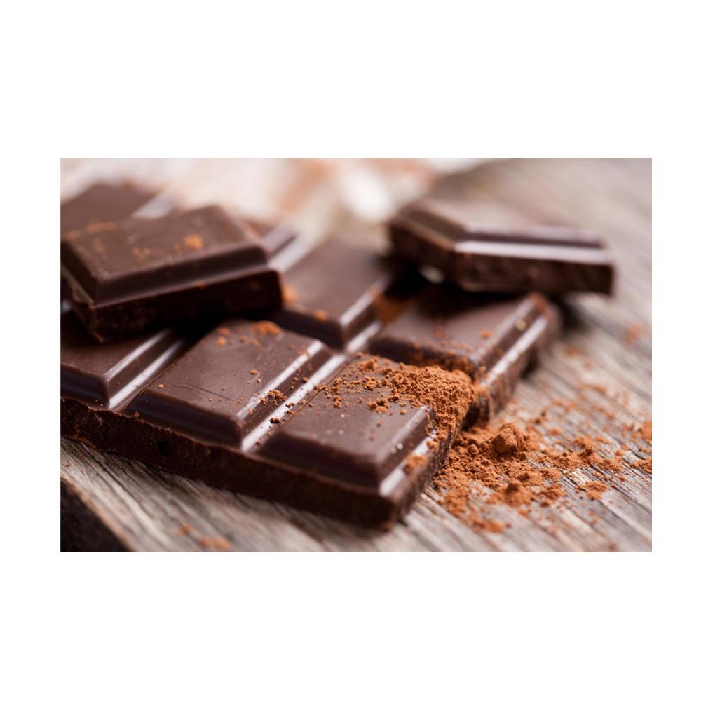 Ich achte, wann immer es geht, beim Einkaufen auf Bio-Qualität. Gerade bei Schokolade kann das aber ganz schön ins Geld gehen. Deswegen finde ich die Idee des Schokoladen-Outlets so toll: Hier bekommt man fair produzierte und pestizidfreie Bio-Schokolade bis zu 74% günstiger. Warum? Weil das Outlet Bruchschokolade oder aussortierte Waren aufkauft – und sie damit vor dem Müll rettet. Mal ist die Schokolade einfach nur zerbrochen (und kann deshalb von der Marke selbst nicht mehr verkauft werden), mal war die Gussform der Schokolade zu voll oder nicht voll genug, manchmal sind mehr Nüsse oder Früchte in die Schokolade gelangt, als in der Zutatenliste auf der Verpackung angegeben. Gut für uns, denn so können wir die Schoki günstiger kaufen – und in Bio-Qualität genießen!  Ulrike Koehler, Food-Redakteurin