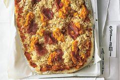 Pizza Salami vom Blech