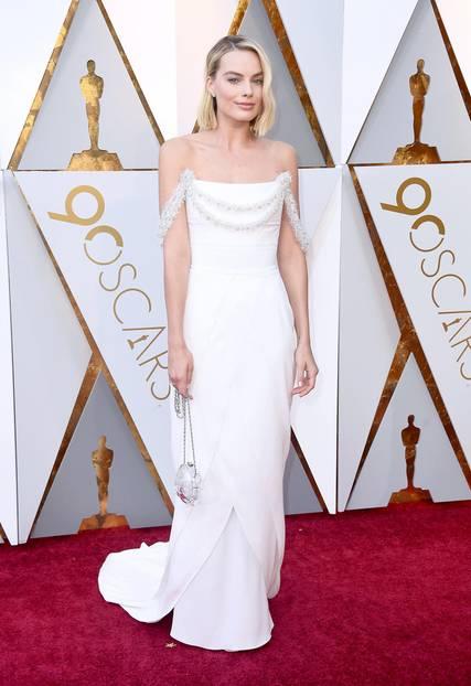 Margot Robbie in Chanel Haute Couture