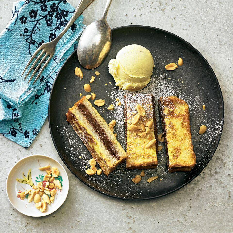Schoko-French-Toast mit Vanilleeis