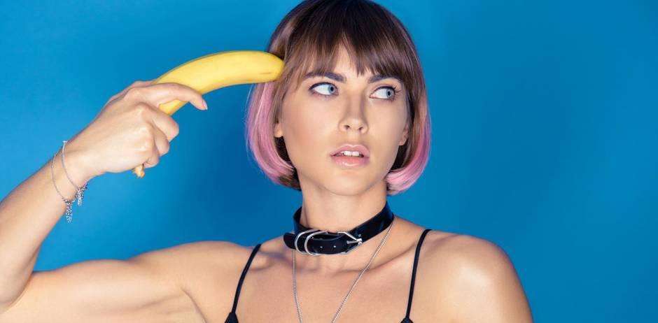 Frau erschiesst sich mit Banane