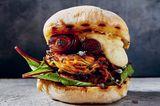 Zucchini-Süßkartoffel-Burger mit Chipotle-Mayonnaise
