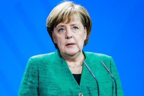 Diskussion um Nationalhymne: Angela Merkel am Rednerpult