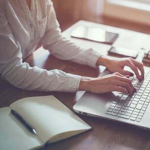 Brigitte-Studie: Frau am PC