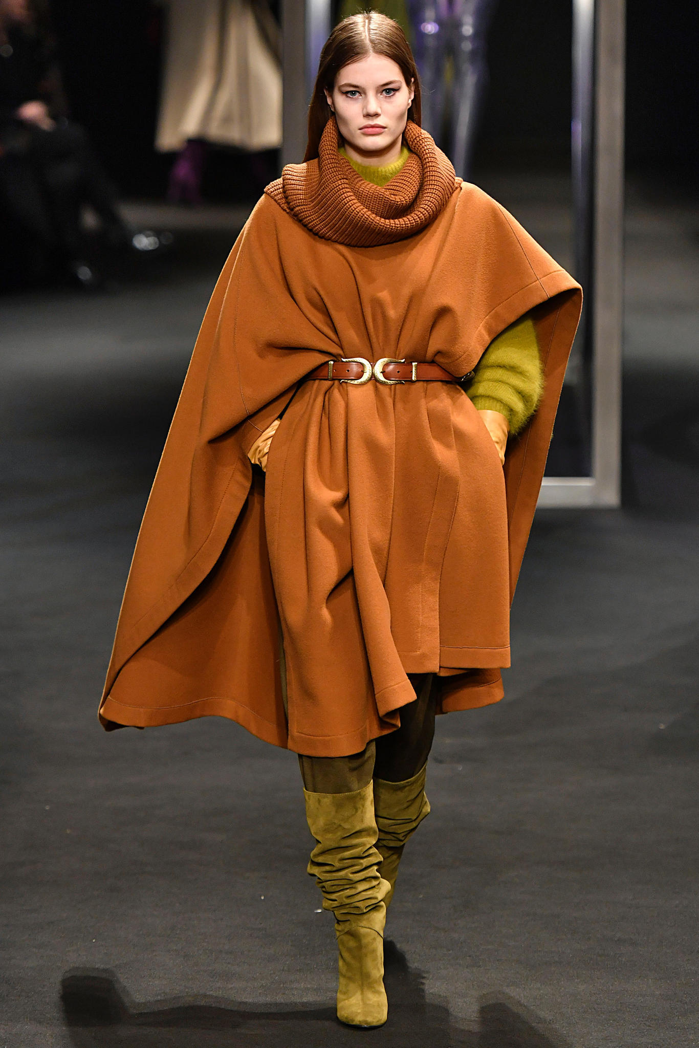 Mailand Fashion Week: Erdtöne bei Alberta Ferretti