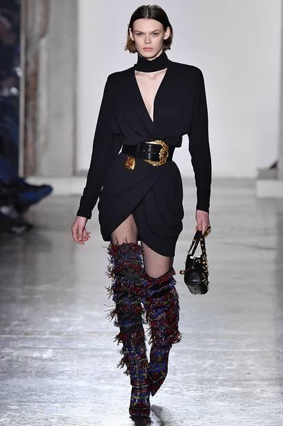 Mailand Fashion Week: Fransen-Overknees und XXL-Gürtel
