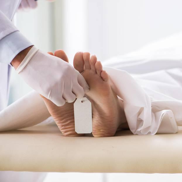 Krankheit X Toter Patient auf Bett