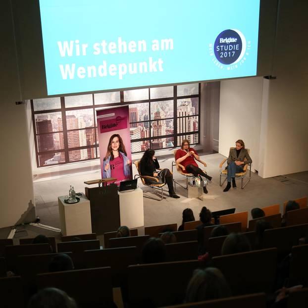 Von links nach rechts: Brigitte Huber, Chefredakteurin BRIGITTE, Katharina Fegebank, Zweite Bürgermeisterin Hamburgs und Julia Jäkel, CEO Gruner + Jahr.
