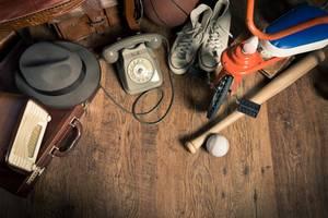 Auf dem Dachboden findet man so allerlei Schrott – aber auch Schätze.