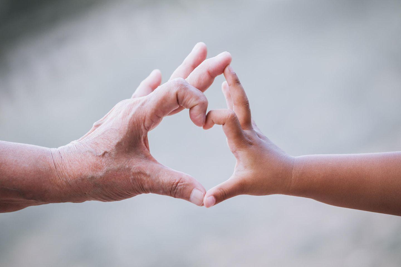 Wenn das Kind mit Herzfehler geboren wird, stehen ihm oft unzählige OPs bevor.
