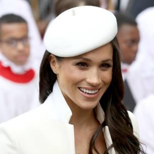 Meghan Markle trägt weißen Wollmantel