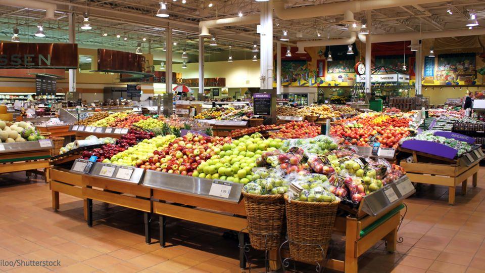 Supermarkt ohne Plastik: Obst und Gemüse im Eingangsbereich