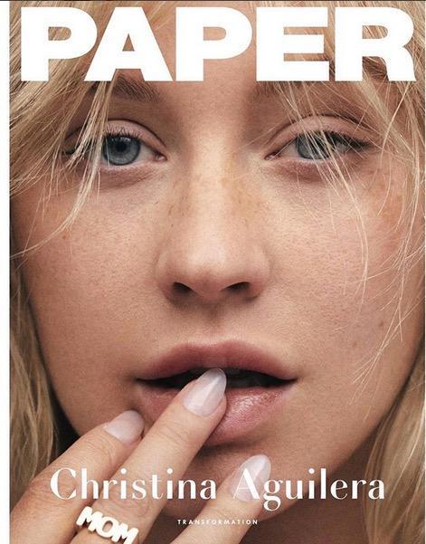 "Christina Aguilera ungeschminkt auf dem Cover der ""Paper"""