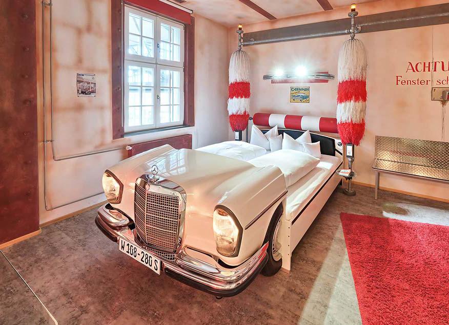 Besondere Hotels: V8 Hotel bei Stuttgart
