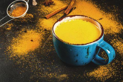 Goldene Milch: Warum trinken jetzt alle diese Golden Milk?