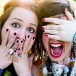 Aprilscherz missglückt: Frauen schauen geschockt
