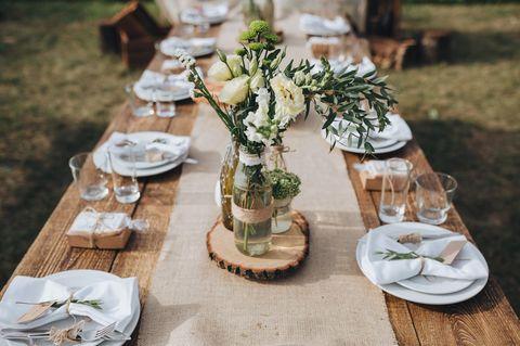 Sitzordnung Hochzeit: Hochzeitstisch mit Deko
