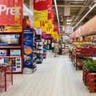 Supermarkt-Angebote im Regal