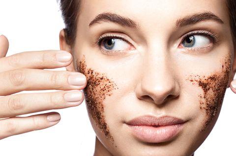 Alles klar? Face-Scrubs – die 3 besten Peeling-Produkte bei Amazon