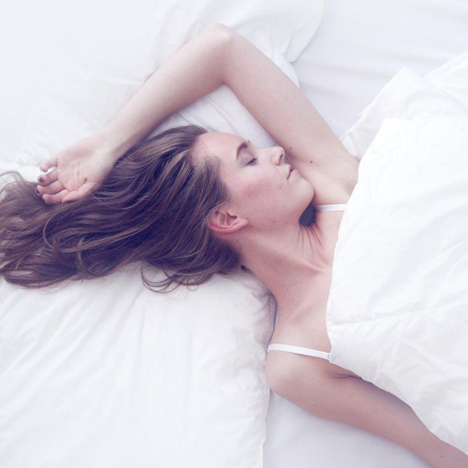 Social Jetlag: Wie dir ein weit verbreiteter Schlaf-Fehler schadet