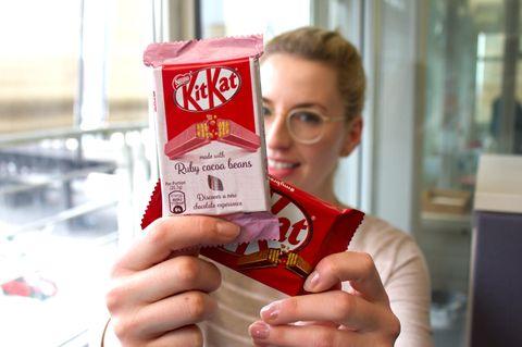 "KitKat ""Ruby"" im Test: So schmeckt das neue KitKat"