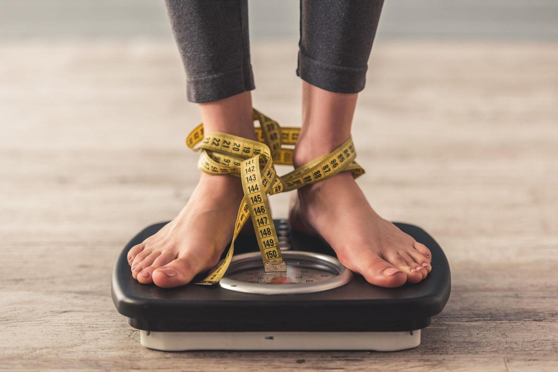 Vergiss den BMI! Diese Formel zeigt dir, ob du wirklich übergewichtig bist