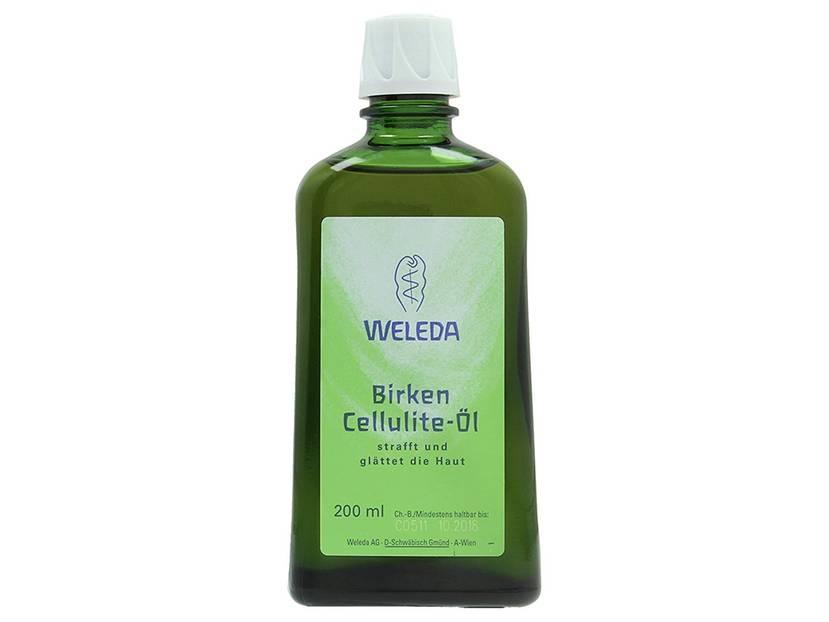 BRIGITTE-Redakteurin Birgit testete das Birken-Cellulite-Öl von Weleda, 200 ml, ca. 24 Euro.  Das wunderbar reichhaltige, lecker riechende Öl ist genauso schön für mein Auge und die Sinne, wie die grasgrüne Glasflasche.  Das Öl erinnert mich an warmen Honig, es zieht schnell und satt in die Haut ein und hinterlässt ein ganz weiches und samtiges Gefühl. Und weil es sich so schön anfühlte, habe ich gleich morgens und abends eingeschmiert. Der Duft ist ganz angenehm frisch, allerdings auch nicht leicht, es riecht wie ein erster Sommertag im Wald.  Und auch, wenn ich keine krassen Veränderungen auf der Haut erkennen konnte, das Öl möchte ich nicht mehr missen.
