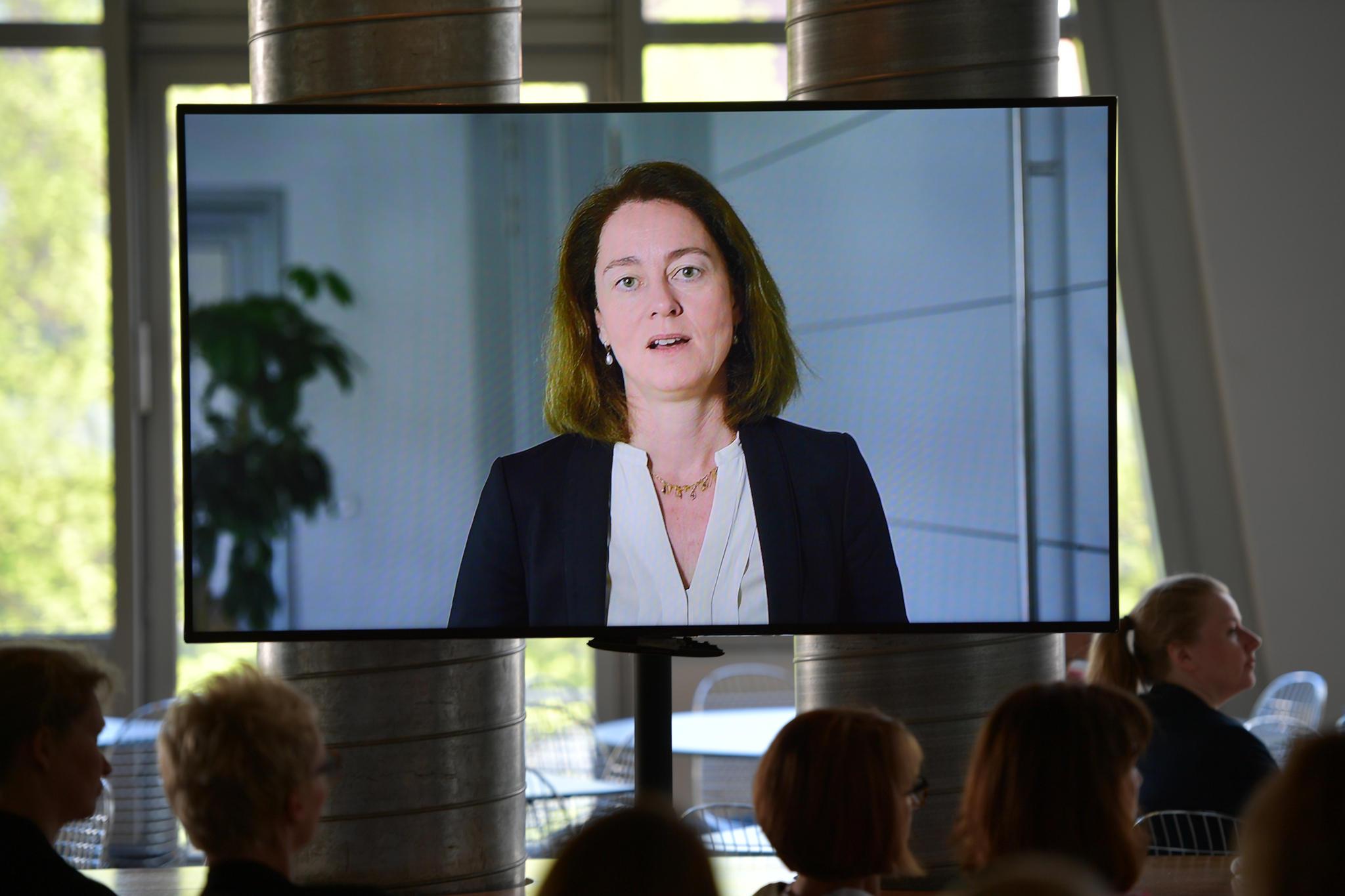 Die Schirmherrin konnte leider nicht persönlich kommen - Justizministerin Dr. Katarina Barley schickte ein Grußwort nach Hamburg.