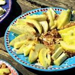 Birnen mit Honig, Walnüssen & Pecorino