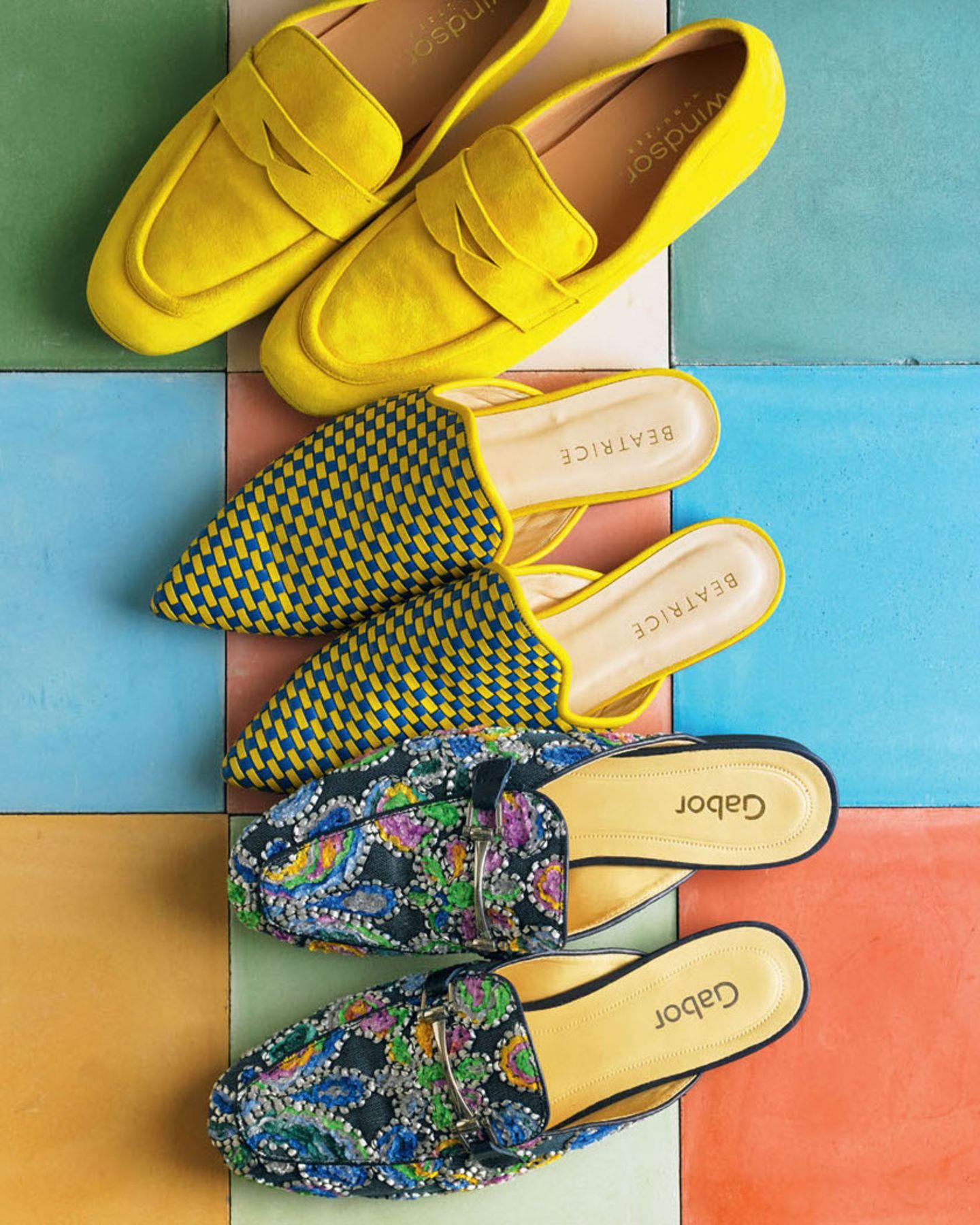 Farbtrends 2018: Sandalen in bunten Farben