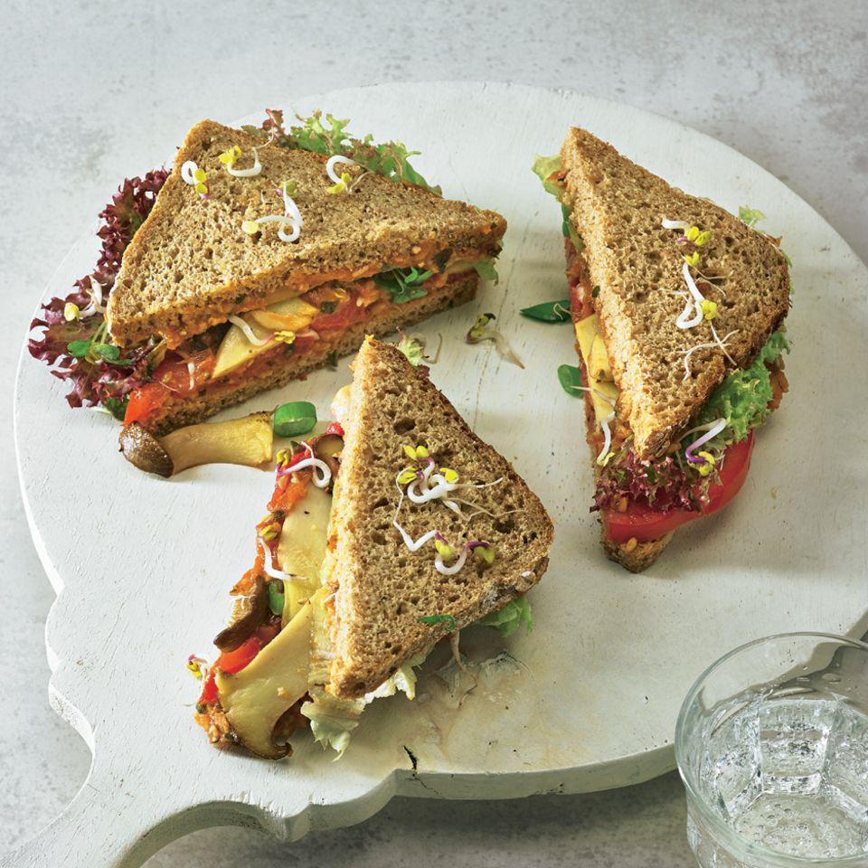 Sandwich mit gebratenen Kräuterseitlingen