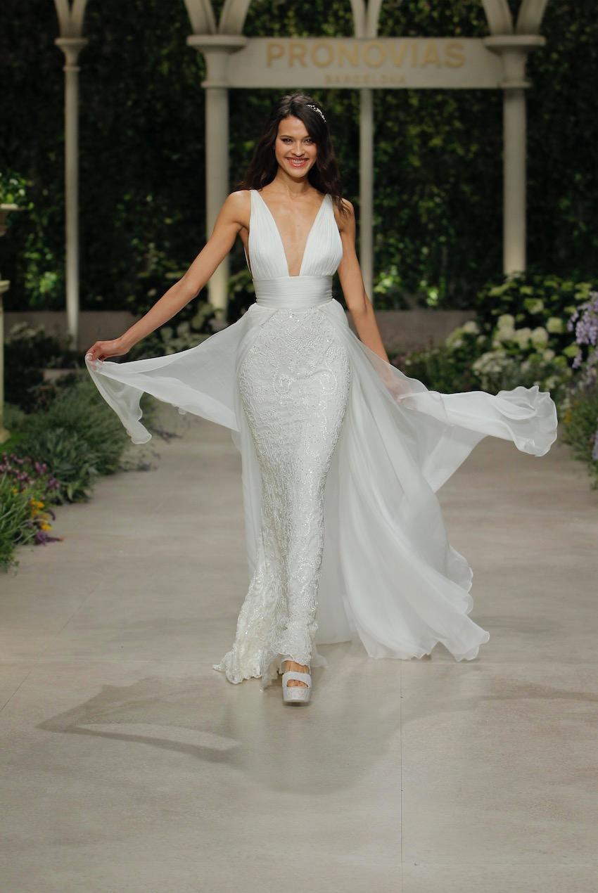 Hochzeitskleid in Weiß von Pronovias