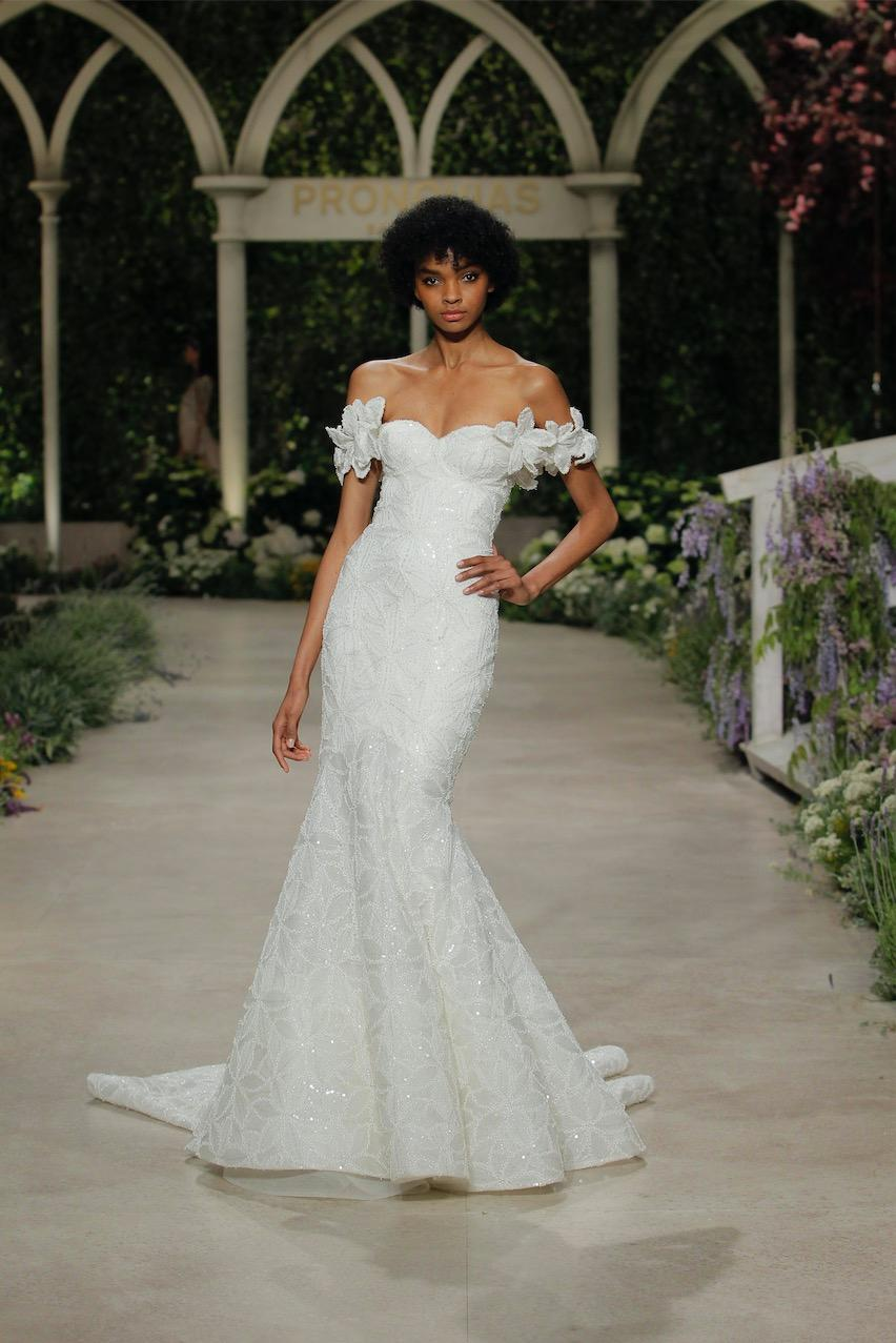 Brautkleid von Designer Pronovias