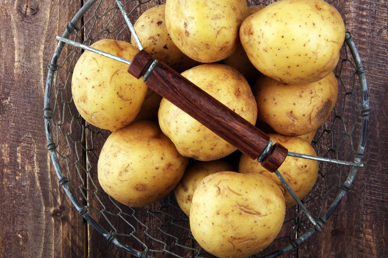 Bundesamt warnt: Kartoffelschalen und unperfekte Knollen meiden!