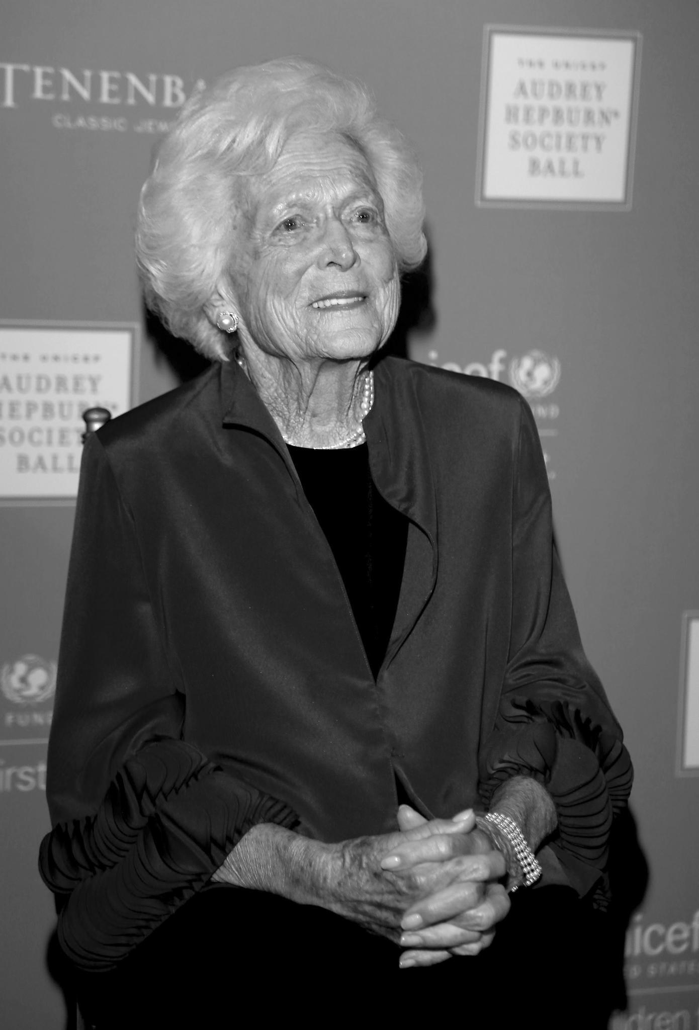 Barbara Bush, ehemalige First Lady und Ehefrau des Ex-US-Präsidenten George H. W. Bush, ist am 17. April verstorben. Die 92-Jährige litt an einem Lungenleiden.