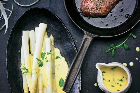 Spargel mit Verbenen-Hollandaise & Rumpsteak