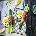 Spargelpäckchen mit Salsa Verde