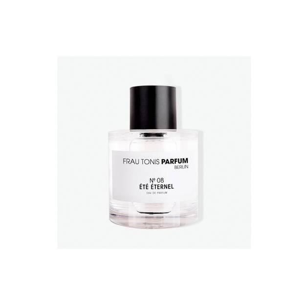 ... von Frau Tonis Parfum duftet nach einem warmen Sommerabend. Über den eigenen Onlineshop erhältlich, ab 35 Euro.