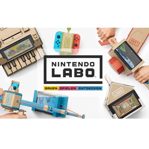 """Hallo Eltern! Antworten eure Kinder auf den Vorschlag """"Lass uns doch mal zusammen basteln"""" auch eher mit """"Ich will aber Videospielen?"""". Jetzt kriegt jeder, was er haben will: Die """"Nintendo Labo""""-Projekte sind eine total irre Idee, auf die einfach noch keiner gekommen ist: Bastelbögen aus Karton, in denen später ein Nintendo Switch steckt. Und so werden Pappe und Videospiel gemeinsam die erstaunlichsten Dinge: Ein kleines Klavier, auf dem ihr spielen könnt, ein ferngesteuertes Insekt, ein kleines Haus mit """"echten"""" Bewohnern und vieles mehr. Das gemeinsame Basteln ist ein Riesenspaß und die fertigen Spielzeuge erstaunlich stabil. Einziger Wermutstropfen: Knapp 65 Euro sind ganz schön viel Geld für ein paar Bögen Pappe nebst Software. Nintendo Switch, circa 64,50 Euro.  Henning Hönicke, Social Media-Redakteur"""
