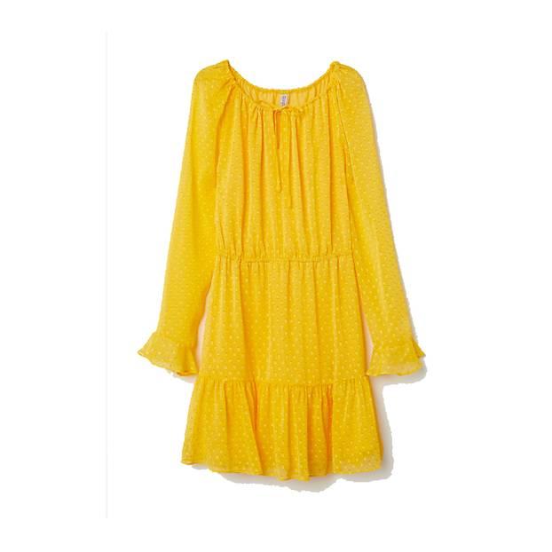Was für ein Hingucker! Kleid mit Zierschleife und Volants am Saum von H&M, um 30 Euro.