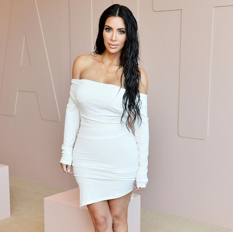 Kim Kardashian in sexy white dress