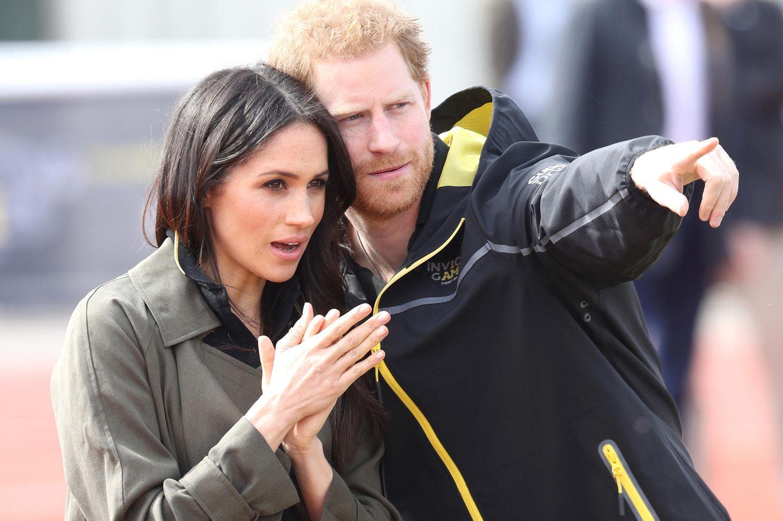 Wie großzügig! DAS schenkt die Queen Harry & Meghan zur Hochzeit