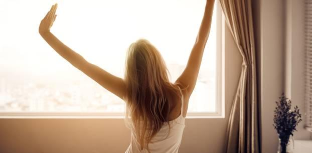 Schlafen bei offenem Fenster: So geht es besser