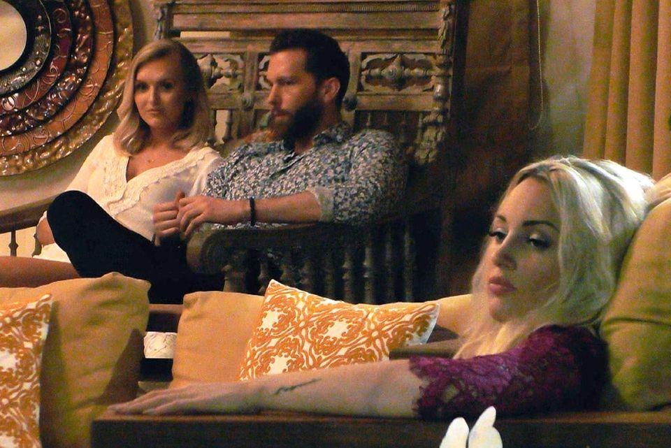 Wenn es um Olli und Erika geht, versteht Caro keinen Spaß.