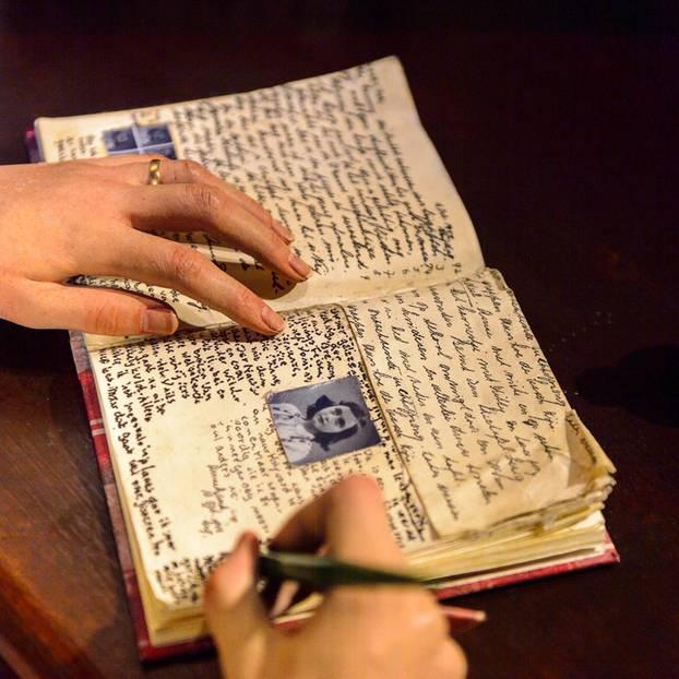 Anne Frank Geheimer Tagebucheintrag Entziffert Brigittede