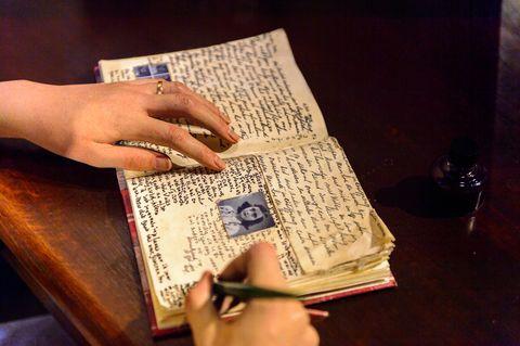 Geheime Einträge entziffert: Anne Frank schrieb schmutzige Witze in ihr Tagebuch